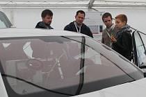 AUTO, které je kompletně vybavené technikou a specialisté ho používají na testování  automatických nouzových brzdných systémů.