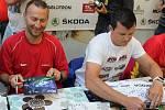 V pátek v podvečer se uskutečnila v obchodním centu Bondy autogramiáda předních jezdců čtyřiačtyřicátého ročníku Rally Bohemia.