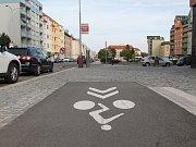 Končící cyklostezka by mohla vést dále Jičínskou ulicí až k Řepovu