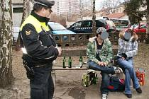 Opilci v ulicích Mladé Boleslavi.