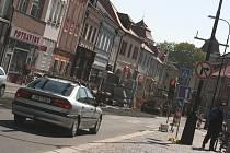 Dopravní omezení kvůli výměně kanalizačního řadu v centru Mladé Boleslavi.