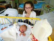 Jiří Emanuel Zámostný se narodil 17. března v 00.00 hodin. Vážil 3,42 kg a měřil 50 cm. S maminkou Jarkou a tatínkem Jiřím bude bydlet v Pískové Lhotě, kde už se na něho těší sestřička Natálka.