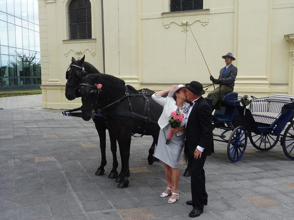 Manželé Handlíkovi oslavili zlatou svatbu