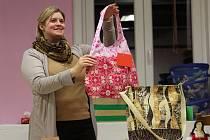 Dražba ručně šitých výrobků v rodinném centru KUlíšek