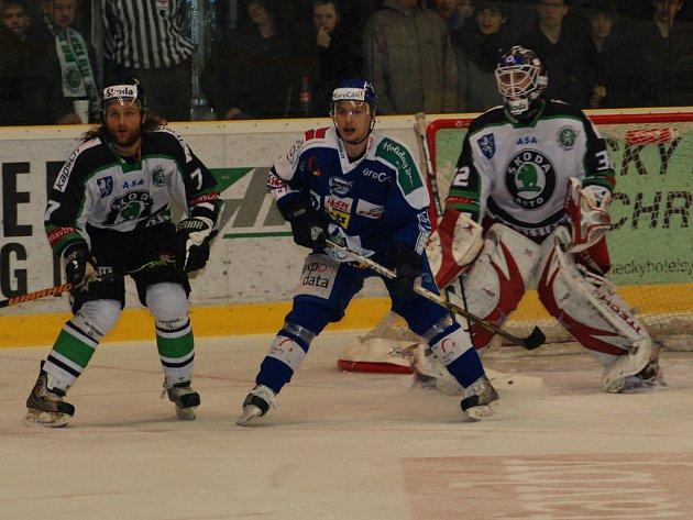 V pátém utkání semifinále play-off vyhráli boleslavští hokejisté nad Kometou a v sérii vedou 3:2.