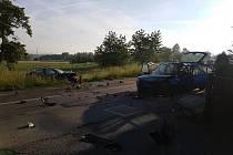 Dopravní nehoda dvou osobních automobilů v obci Veselá u Mnichova Hradiště.