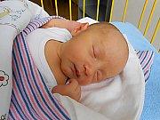 Martin Paluska se narodil 16. října, vážil 3,4 kg a měřil 49 cm. Maminka Olga a tatínek Jan si ho odvezou domů do Starých Splavů.