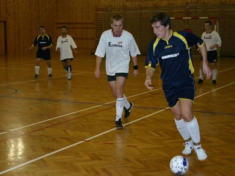 4. kolo okresní futsalové ligy: Malibu B - Dynamo