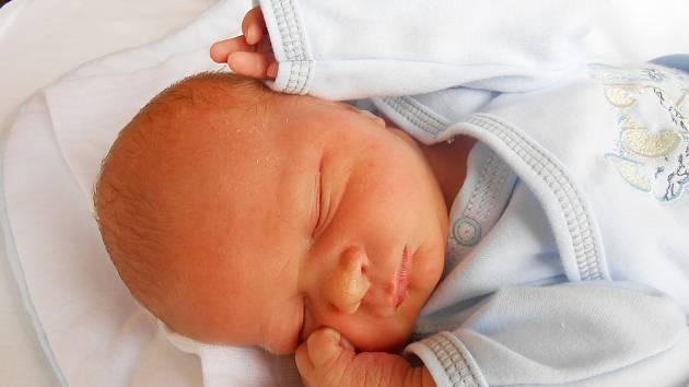 MARTIN Nezhyba se narodil 18. března mamince Ivě a tatínkovi Martinovi z Benátek nad Jizerou. Vážil 3,11 kg a měřil 51 cm.