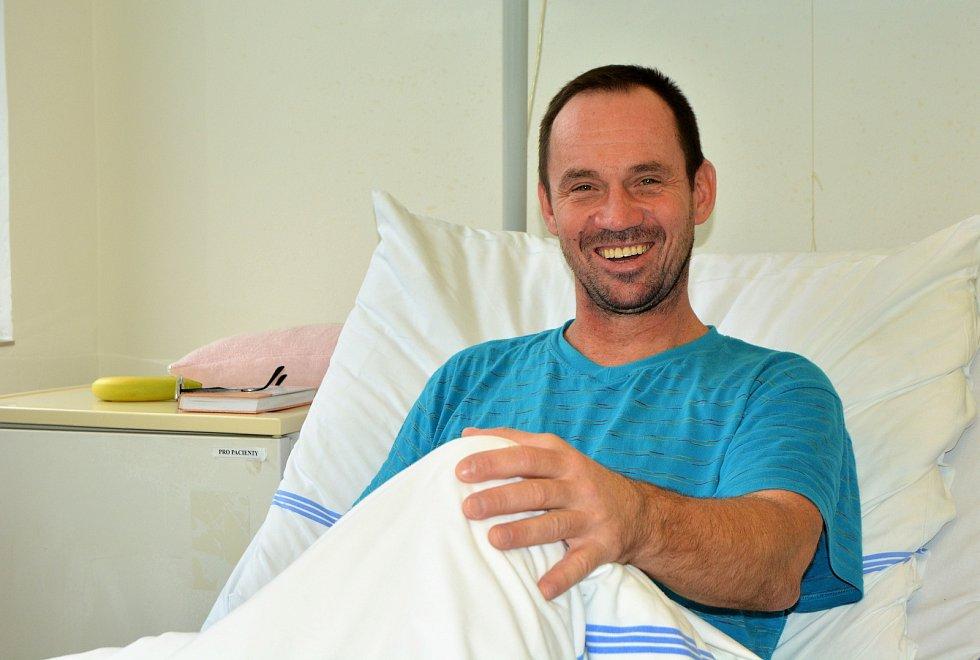 Petr Mašek se připravuje na svoji čtvrtou osmitisícovku. Má za sebou vyčištění kolene a pobyt v nemocnici kvůli zánětu slepého střeva. Čeká ho operace.
