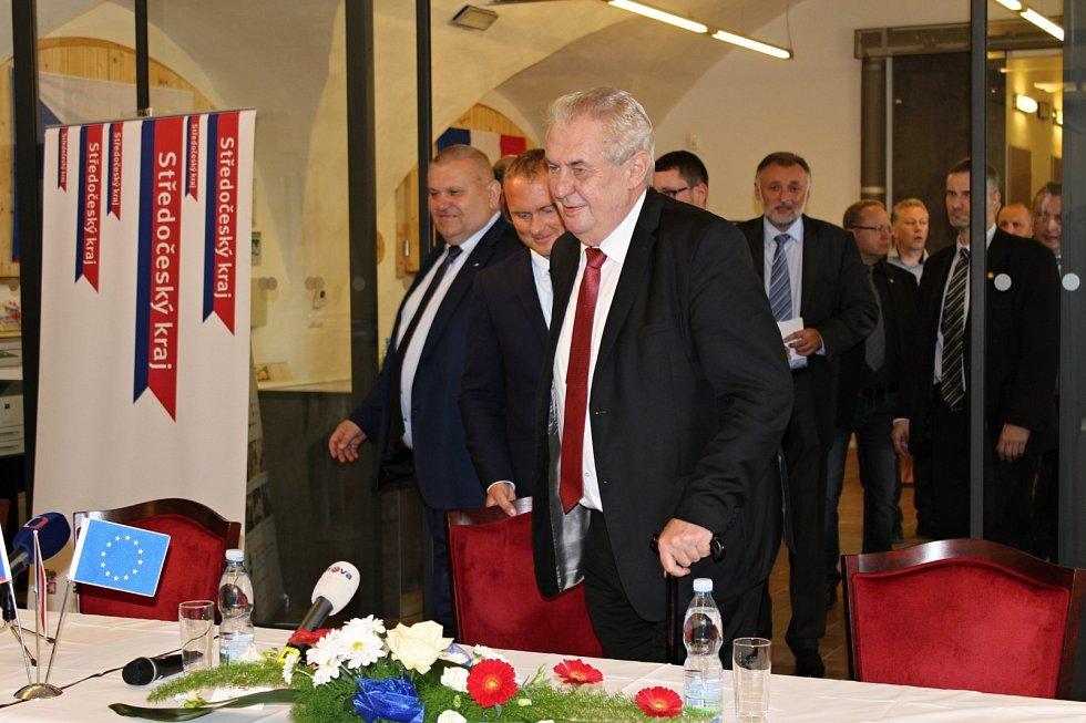 Prezident Miloš Zeman navštívil město Dobrovice.