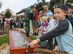 V ZAHRADĚ MATEŘSKÉ školy přibude několik přírodních prvků. Radnice ji zrevitalizuje.