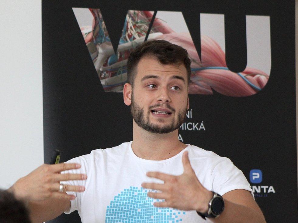 Virtuální anatomická učebna na Střední zdravotnické škole a Vyšší odborné škole zdravotnické v Mladá Boleslavi. Projekt připravil Tomáš Brngál.
