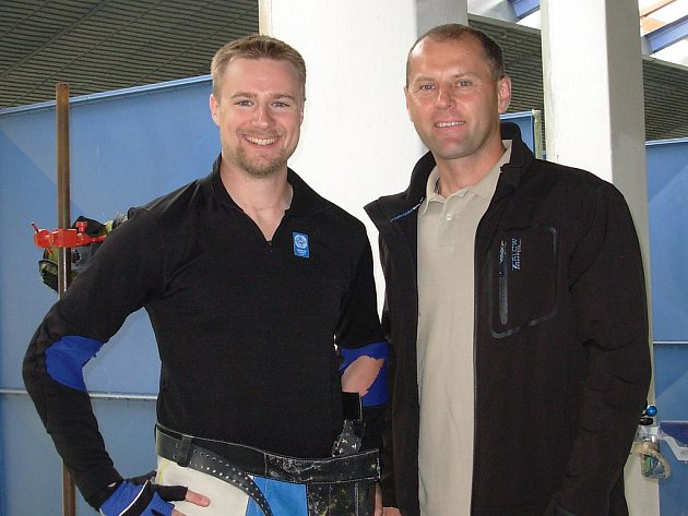 Jan Videcký (vpravo) s nejlepším střelcem světa Mattem Emmonsem