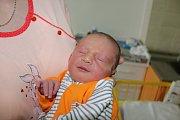 ŠIMON OLAH se narodil 31.7., vážil 3,26 kg a měřil 49 cm. S maminkou Vendulou Kašparovou a tatínkem Tomášem Olahem bude bydlet v Mnichově Hradišti.