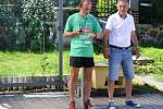 Z 26. ročníku Pojizerského krosu v Bradleci u Mladé Boleslavi. Na snímku pořadatelé a bývalí výborní vytrvalci Zdeněk Kumsta (vlevo) a Vladimír Koudelka.