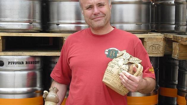 Ředitel rohozeckého pivovaru František Jungmann s letošními oceněními.