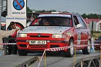 Boleslavká posádka Klinger / Trubička na startu Rallye Posázaví