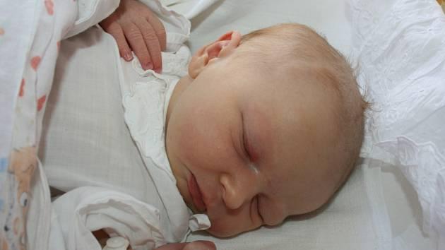 Laura Knoblochová. To je jméno prvního miminka Dariny a Radima z Mladé Boleslavi. Laura se narodila 16. října.
