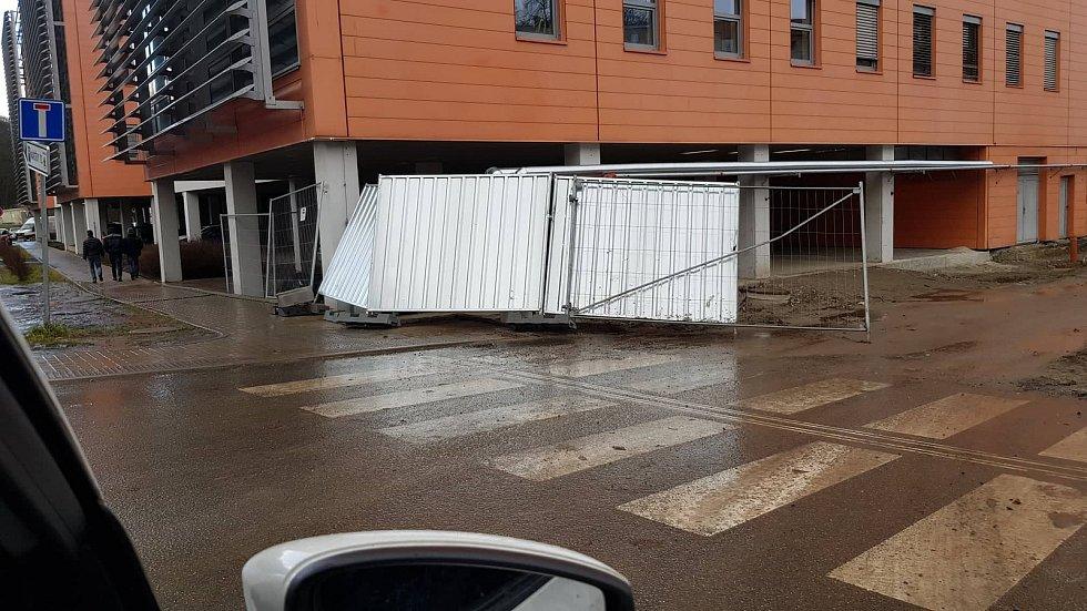 Následky větrné smršti z Mladé Boleslavi