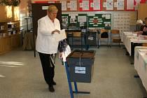 V Mladé Boelslavi dnes ráno začalo referendum.
