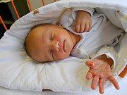 Martínek Klíbr přišel na svět 24. prosince s mírami 3,1 kg a 49 cm. Maminka Eva a tatínek Martin si ho dovezou domů do Luštěnic.