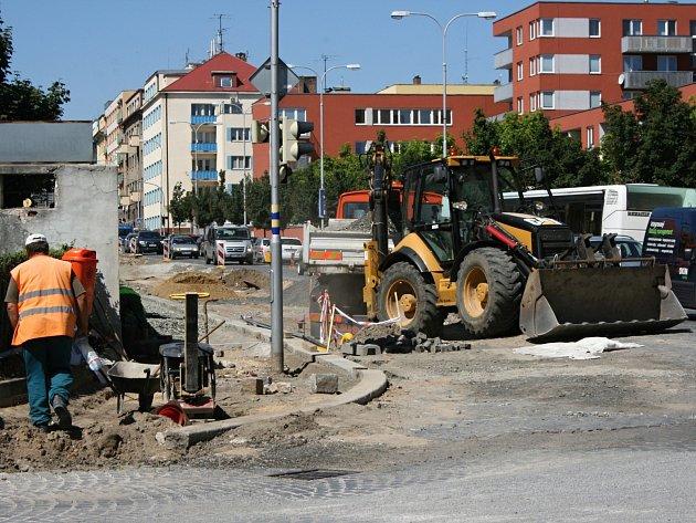 Také Jičínská ulice by po rekonstrukci mohla přejít do majetku města.