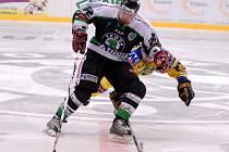 Ze čtvrtého duelu hokejové baráže o extraligu mezi Mladou Boleslaví a Ústím nad Labem.