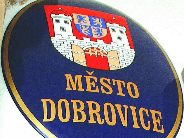 Město Dobrovice. Ilustrační foto.