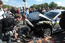 V areálu testovacího polygonu Škoda Auto v Úhelnici na Mladoboleslavsku se v pátek 10. září 2010 odehrál ojedinělý nárazový test. Poprvé před zraky odborné veřejnosti byl v České republice prezentován přesazený čelní náraz dvou vozů značky Škoda.