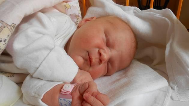 KLÁRA Paulíková přišla na svět 6. září s mírami 4,12 kilogramů a 51 centimetrů. S maminkou Adélou a tatínkem Petrem bude bydlet ve Vinařících.