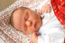 ALŽBĚTA Janošovská přišla na svět 5.června s mírami 4,26 kg a 53 cm. S maminkou Michaelou, tatínkem Lukášem a sestřičkou Amálií bude bydlet v Milovicích.