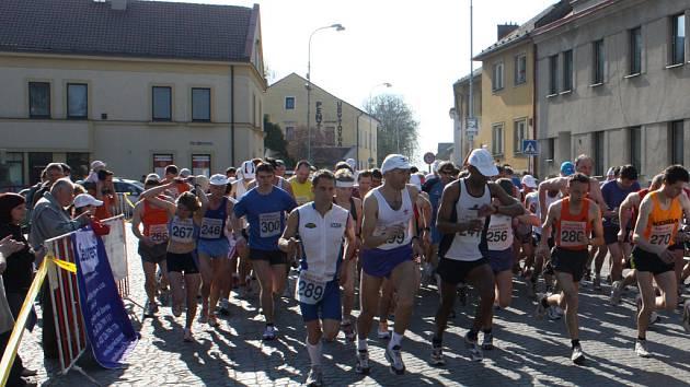 Start Bakovského půlmaratonu.