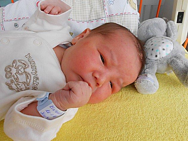 Maxmilián Šindler přišel na svět 20. ledna s mírami 4,12 kg a 52 cm. S maminkou Marií a tatínkem Marianem bude bydlet v Mladé Boleslavi, kde už se na něho těší sestřičky Marie, Magdaléna a Michaela.