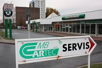 Zkrachovalý autosalon Cartec MB v těchto dnech zeje prázdnotou.