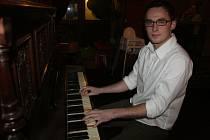 Bakovský klavírista Jan Kavan se chystá do Státní opery Praha.