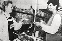 Slavnostní zahájení provozu ve velkoprodejně Astra v Ptácké ulici nabídlo také ochutnávko polévek Knorr.