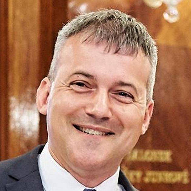 Michal Beneš (Mladá Boleslav) - Měl by být nadstranický, nemusel by být produktem nějaké politické strany, ale měl by mít zkušenosti a měl by se orientovat na politickém poli. Neměl by  pocházet zpodnikatelského prostředí, měl by se umět prezentovat a mí