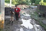 Velká voda se prohnala obcí Doubravička nedaleko Bezna na Mladoboleslavsku.