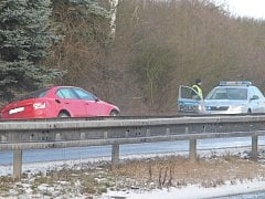 Nehoda na silnici R10. Ilustrační foto