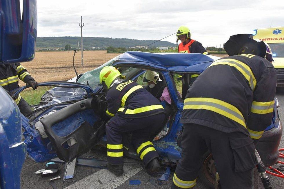 Z tragické dopravní nehody u obce Plazy 4. srpna 2020.