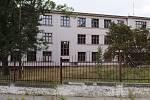 Kasárna v Rakovníku. Od roku 2025 by zde mělo sloužit více než 600 vojáků.