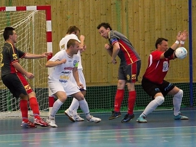 Semifinále krajské části poháru: Atmos Bělá - SAT-AN Kladno