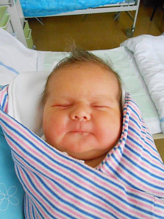 Filip Skomarovskyy se narodil 12. listopadu, vážil 4,29 kg a měřil 51 cm. Maminka Martina a tatínek Valery si ho odvezou domů do Mnichova Hradiště.