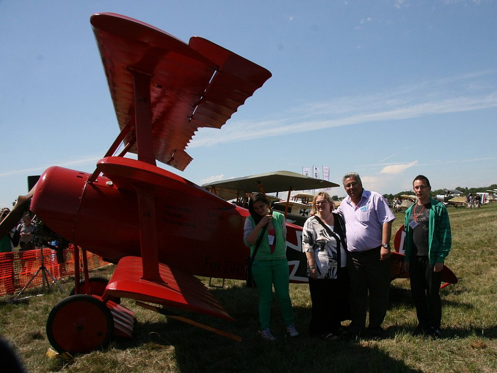 Letecký den navštívil i primátor Raduan Nwelati s rodinou.