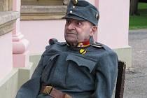 Senior Miroslav Frydrych si zahrál ve filmu