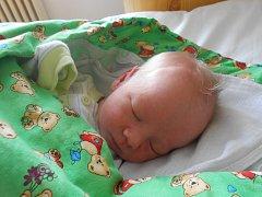 TOMÁŠ Frait se narodil 31. března s mírami 2,56 kilogramů a 47 centimetrů. Maminka Anna a tatínek Miloslav si ho odvezou domů do Katusic za sestřičkou Rozárkou.