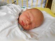 Jakub Lamoš se narodil 30. listopadu, vážil 3,8 kg a měřil 50 cm. S maminkou Evou, tatínkem Janem a bráškou Davidem bude bydlet v Mladé Boleslavi.