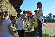 Babí léto, ocasatí draci a čtyřiadvacet soutěžících. První říjnová sobota patřila v Jizerním Vtelně tradiční drakiádě.