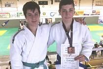 V kategorii dorostu mladoboleslavské judo reprezentovali Martin Procházka (vlevo) a Adam Kopecký.